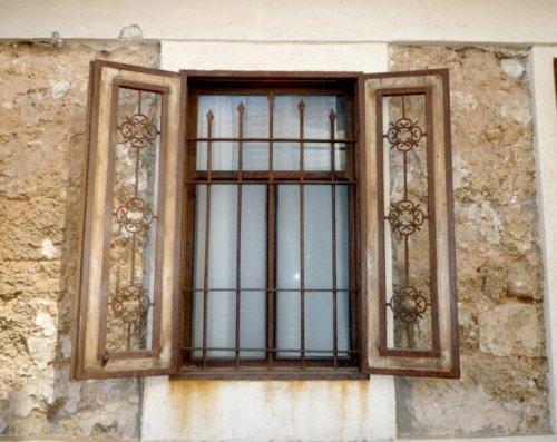 Neve Tzedek: window