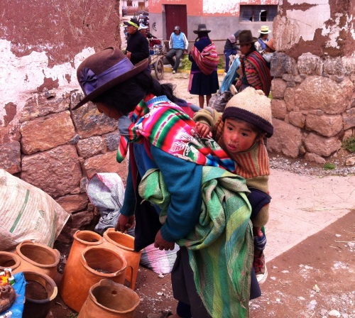 Chinchero market, buying small terracotta outdoor cooking pottery