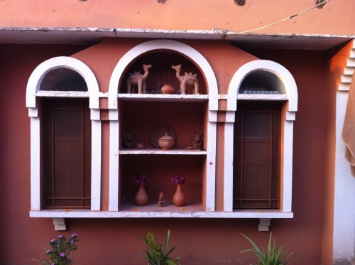Charming little wall at Apani Dhani