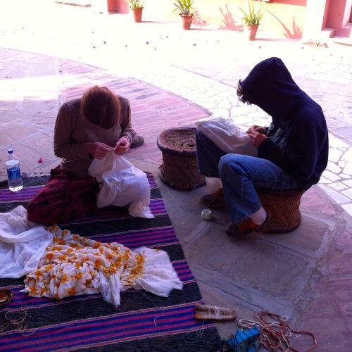 making Bandhani